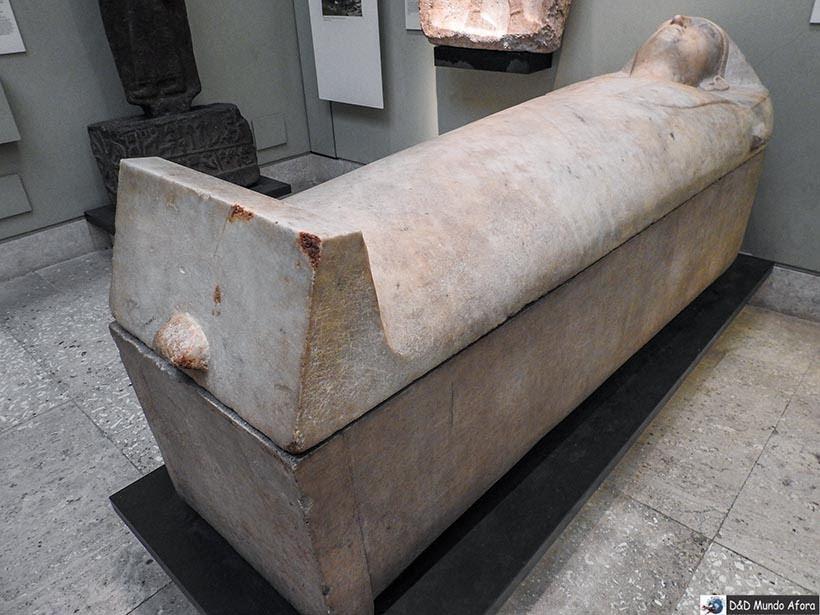 Sarcófago na Seção Egípcia no British Museum em Londres