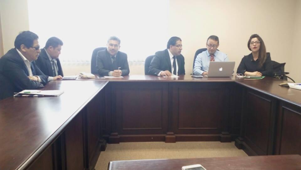 Directiva del Colegio de Abogados de La Paz en rueda de prensa