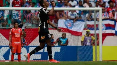 Pedrinho comemora o gol do Corinthians (Foto: Marcelo Malaquias / Estadão Conteúdo)