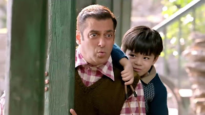 Salman Khan Kiss Action HD Photo In Tubelight