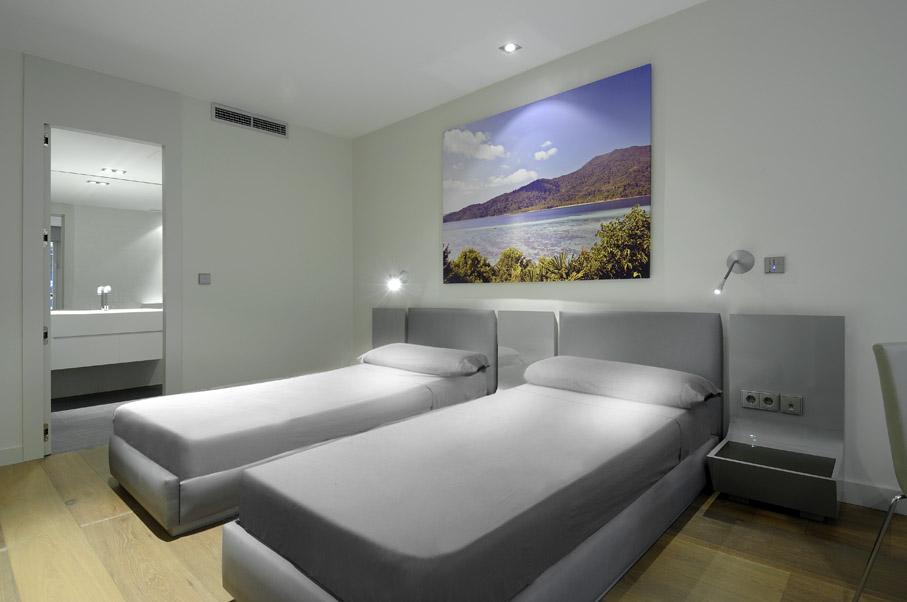 Minimalist Interior Design Bedroom: Minimalist Bedroom Interior
