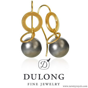 Crown princess Mary jewelry Dulong Fine Jewelry Anello pearl earrings