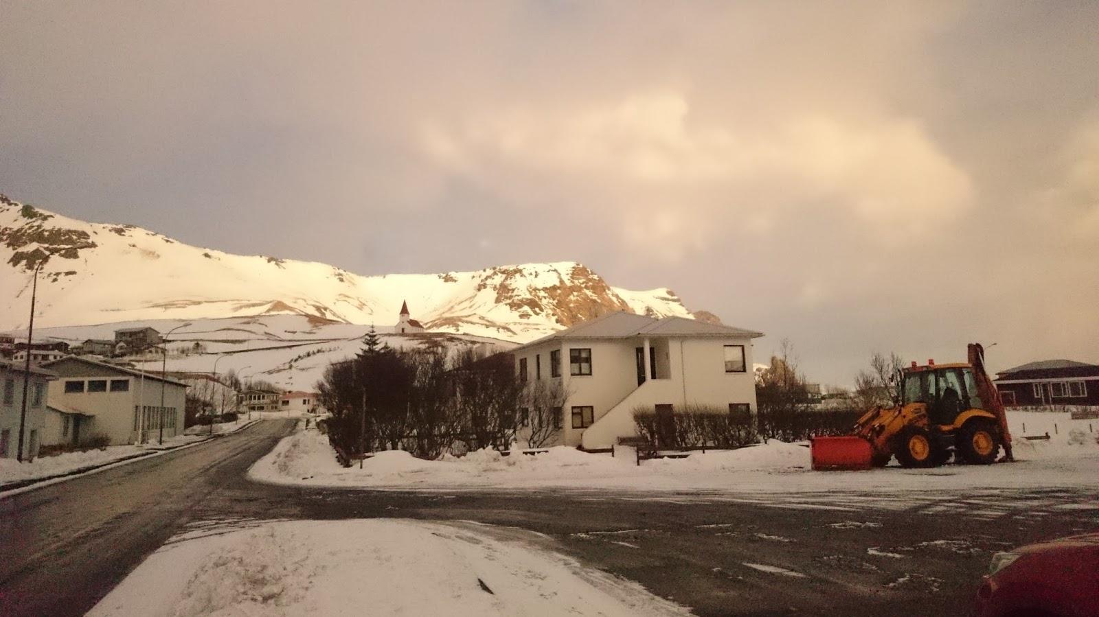Vik, islandzka zima, zima, atrakcje Islandii, co zwiedzic w Islandii, zwiedzanie Islandii