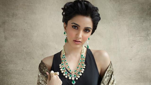 Kiara Advani Images, Hot Photos & HD Wallpapers