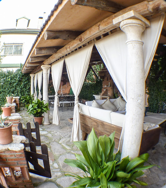 La Zubia Bed and Breakfast