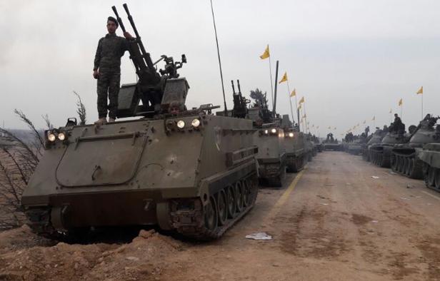 Os M113s retratados são equipados com canhões antiaéreos conhecidos como ZPU-2s