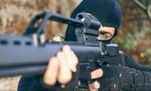 Απέστειλαν προκήρυξη με απειλές – Συναγερμός στην Αστυνομία ! Ένοπλη ομάδα απειλεί με εκτελέσεις αν εκποιηθούν σπίτια – «Έχουμε παγιδεύσει και τη Βουλή»