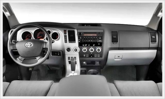 2016 Toyota Sequoia SR5 4WD SUV