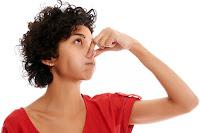 Cara menghilangkan bau busuk pada amandel
