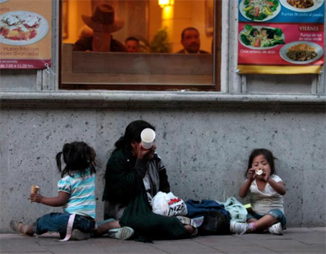 El peor muro está dentro de México: es la desigualdad y la pobreza.