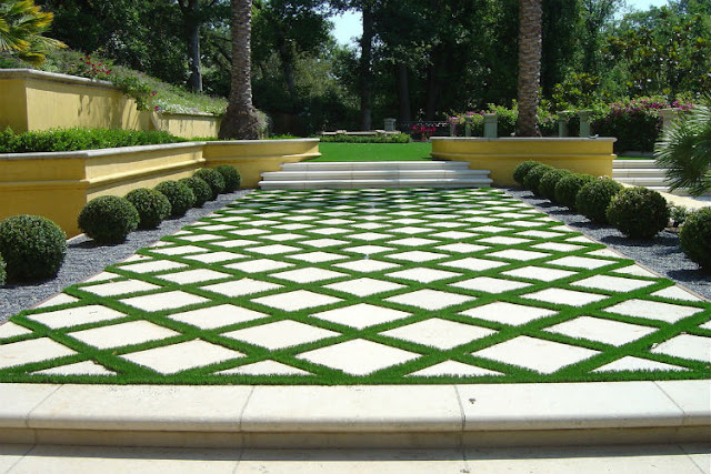 landscape design with artificial grass