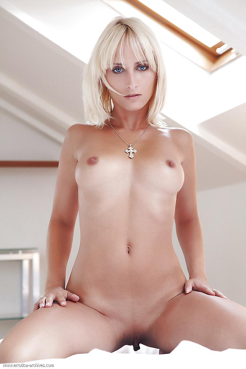 Голые красивые девушки фото НЮ