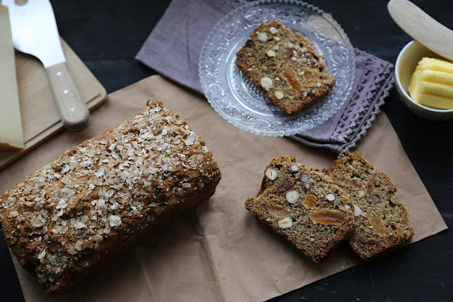 irish soda bread , pain irlandais aux figues, noisettes , bicarbonate de soude