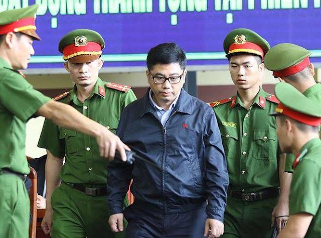 """Bị Cáo Nguyễn Văn Dương được miễn trách nhiệm hình sự tội """"đưa hối lộ"""""""