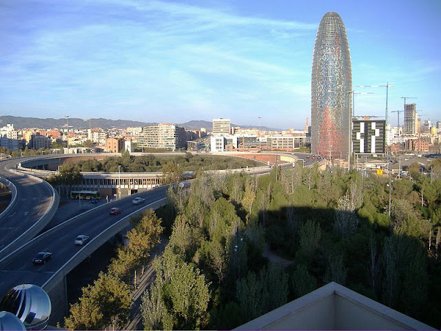 Praças para curtir Barcelona - Plaça de les Glòries Catalanes