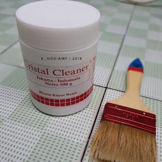 cristal cleaner - pembersih lantai kamar mandi, lantai bersih dan tidak berkerak