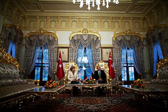 Η Die Welt αποκαλύπτει την μυστική συμφωνία Μέρκελ - Εντογάν για το προσφυγικό