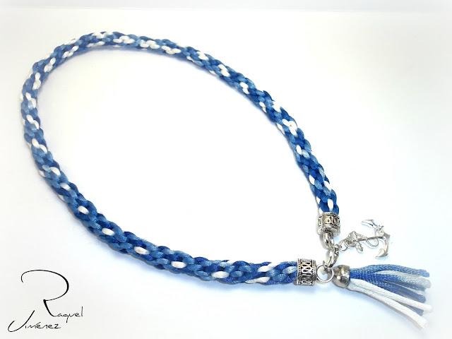 Collar de kumihimo azul