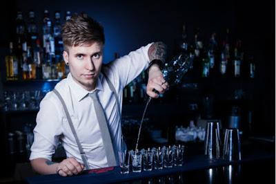 Bartender sở hữu ngoại hình đẹp