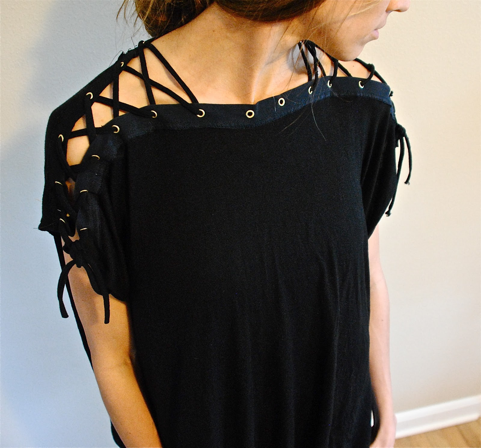 Trash To Couture Diy Lace Up Collar