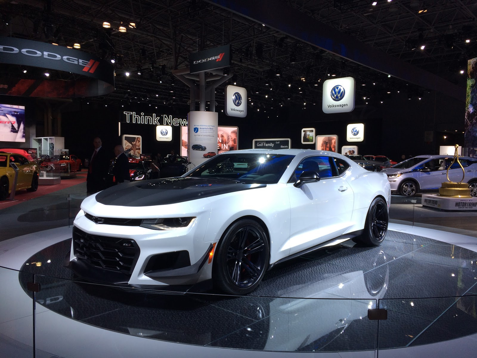 the jersey momma the new york international auto show rocks and here 39 s why. Black Bedroom Furniture Sets. Home Design Ideas