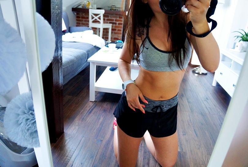 tatuaż na ramieniu, róża, adidas, buty do ćwiczeń, qq smile, zegarek, kettlebell, top do ćwiczeń, nike, hm, odchudzanie, siłownia, efekty, chodakowska, lifestyle, do ćwiczeń,