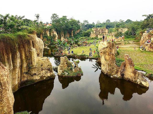 Tebing Koja Kandang Gozilla