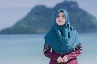 Lirik : Najwa Latif - Satu Hari Nanti