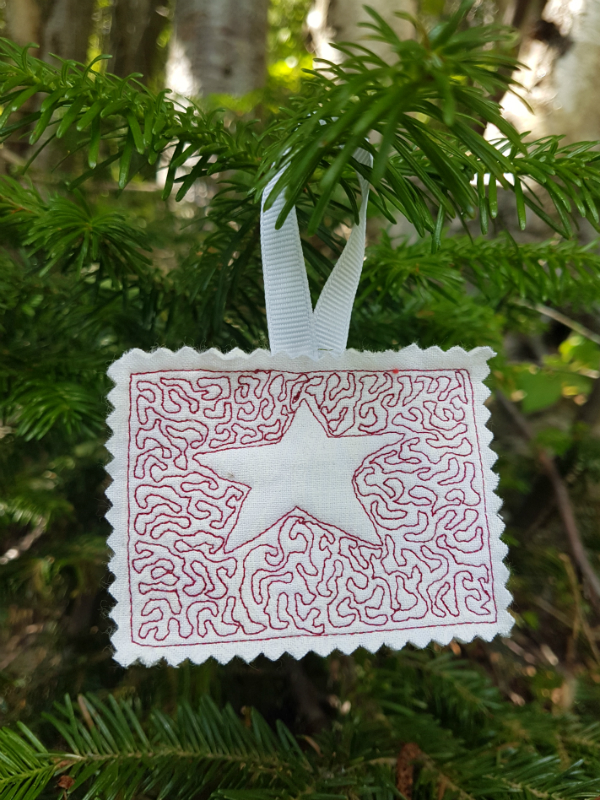 Star free motion quilted ornament | DevotedQuilter.blogspot.com