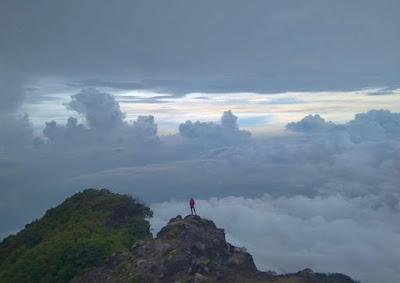 Keindahan Gunung Raung di Banyuwangi Yang Keren Banget