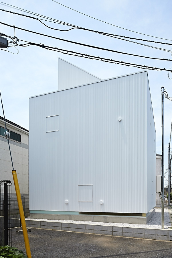 03-A-L-X-Sampei-Junichi-Architecture-Building-that-Envelops-Beauty-www-designstack-co
