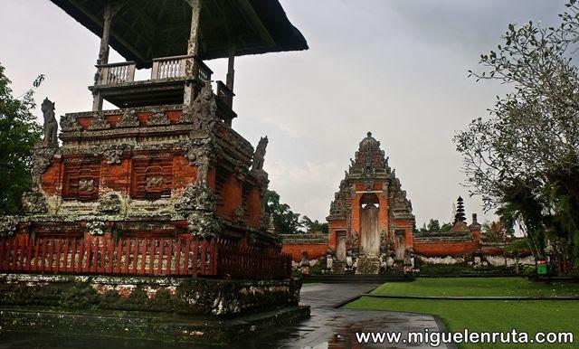 Pura-Taman-Ayun-Dinastía-Mengwi