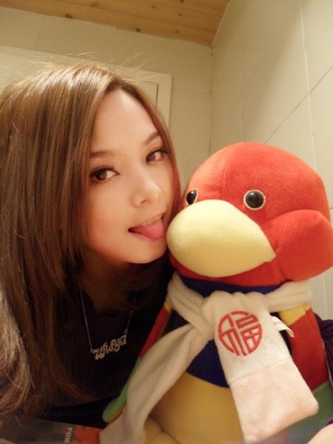 Wang Rouyi Model Cantik dan Seksi Asal Cina - Salak Fruit ...