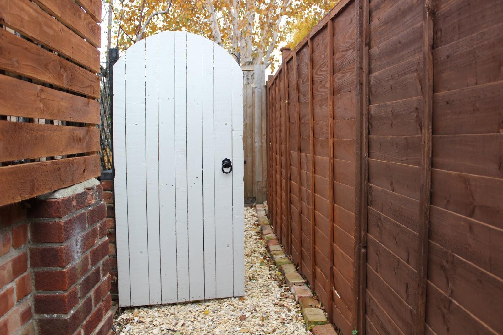 DIY garden gate made from pallet wood