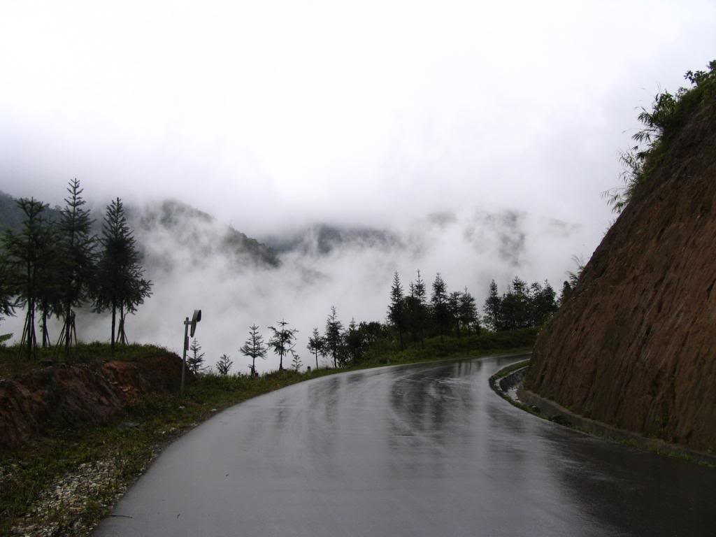 4D road - the road leading from Lao Cai city into Sapa town