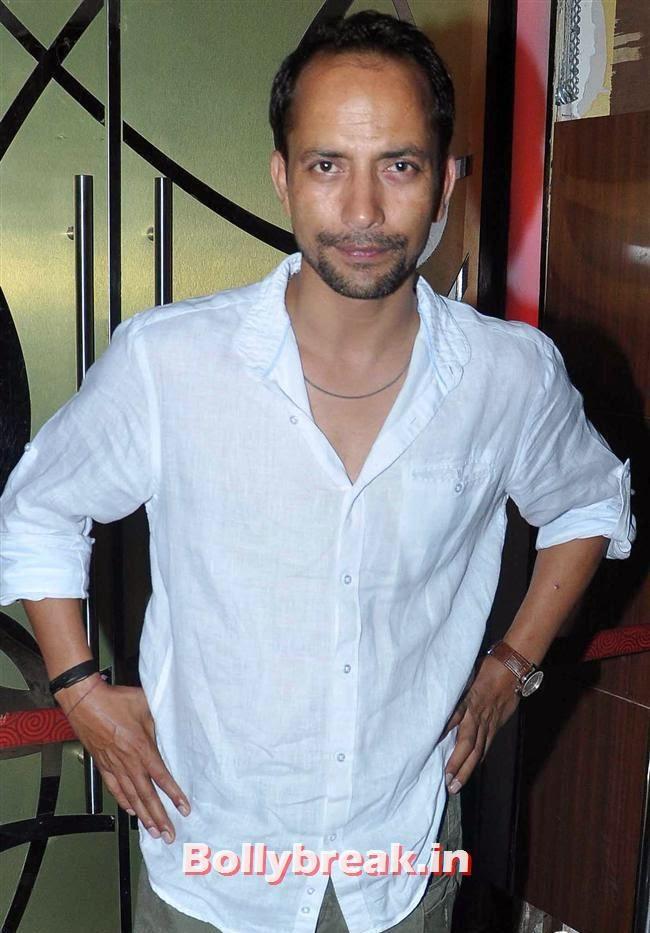 Deepak Dobriyal, Ankhon Dekhi Movie Premiere Pics
