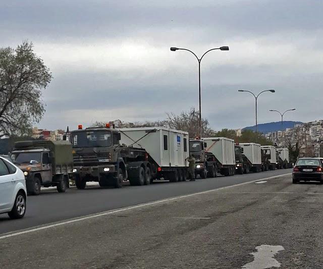 Καβάλα: Κομβόι στρατιωτικών οχημάτων τα οποία μετέφεραν λυόμενα σπίτια (ΦΩΤΟ)