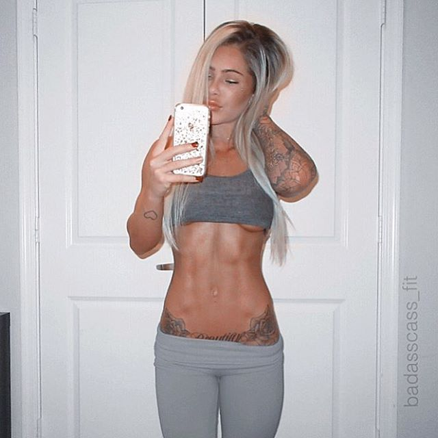 Fitness Model CASSIE beautiful Instagram photos
