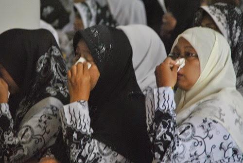 Waduh Kasihan Sekali, 9.000 Guru SMA/SMK Belum Gajian