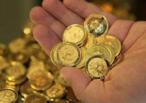 Theo các chuyên gia nhận định: Donald Trump đắc cử Tổng thống Mỹ thì Bitcoin sẽ tăng giá lên 2000USD/BTC vào năm 2017