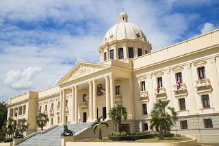 Presidente Danilo Medina promulga Ley 68-19 que modifica artículo 91 de Ley General de Sociedades Comerciales