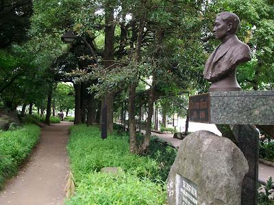 ホセリサール像