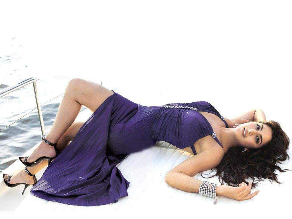 Brighton Beach Katrina Kaif Sexy Indian Model