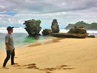 Pesona Pantai Selok Sumberbening Malang Selatan
