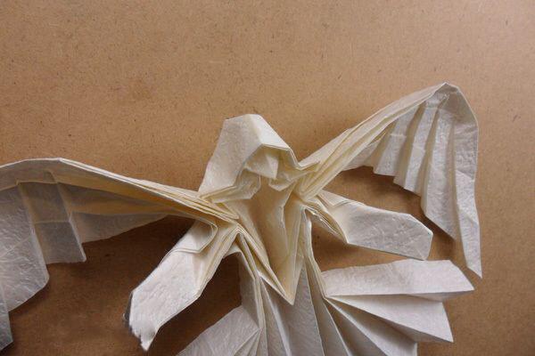 Ангел в технике трехмерное оригами из бумаги (6)