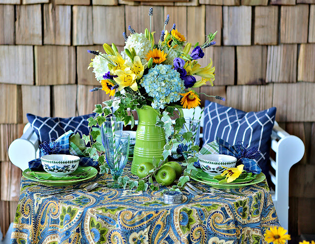 Alfresco Tablescape Bloghop