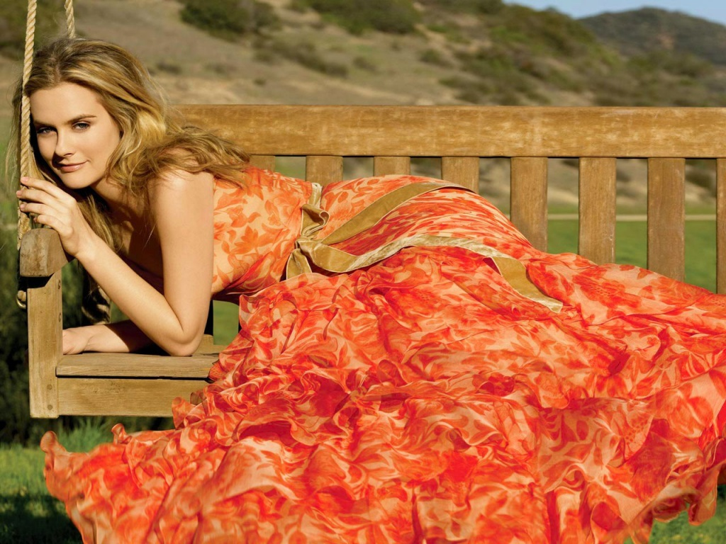 Hollywood Celebrities Alicia Silverstone Hot Pictures -3572