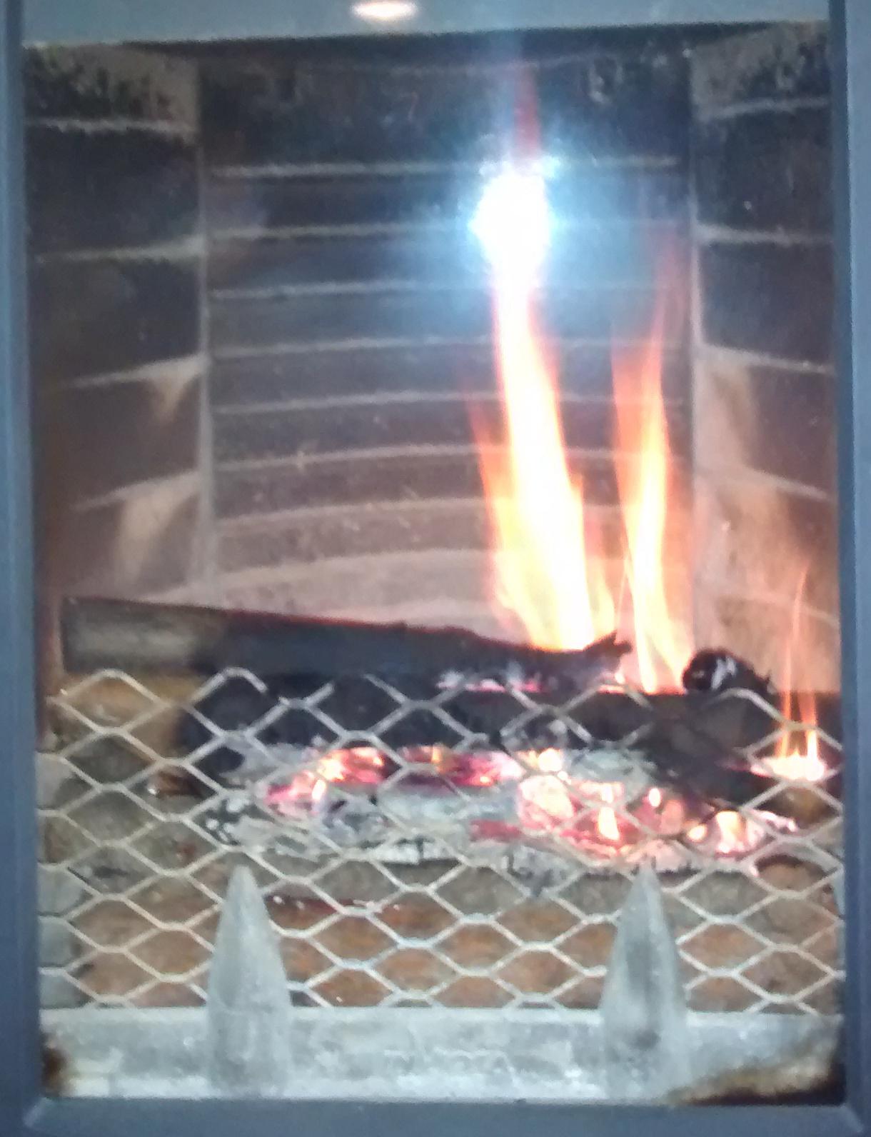 Grinchou blog allumer le feu simplement du premier coup - Comment allumer une cheminee ...