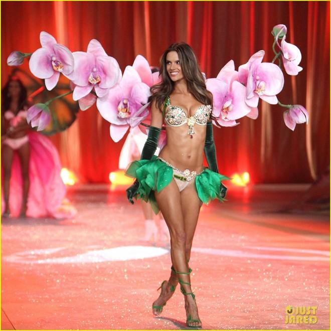 Victoria's Secret Alessandra Ambrosio