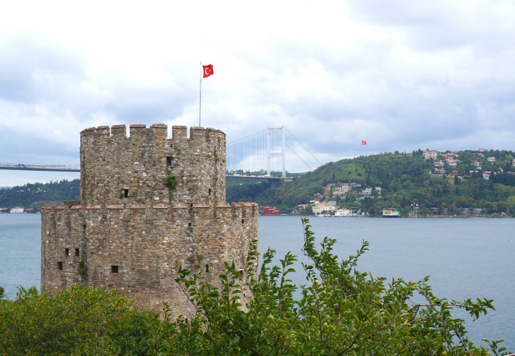 Euriental | the view at Rumelihisari in Istanbul, Turkey